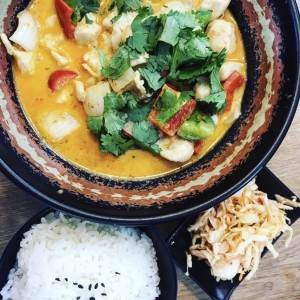 Ramadan Specials - Seafood Homemade Yellow Curry with Baguette (1.2kg)